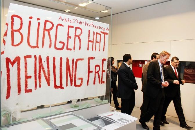 « Article 27 de la constitution: Le citoyen à l'opinion libre »