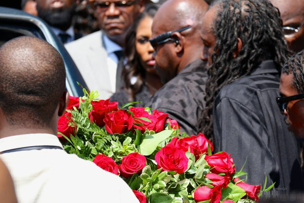 The coffin of Michael Brown gets carried away, MO, Monday, August 25, 2014, after the funeral service dedicated to the Ferguson teenager. The service, held in the Friendly Temple Missionary Baptist Church, attracted thousands, including civil rights figures Al Sharpton and Jesse Jackson. (Yann Schreiber)