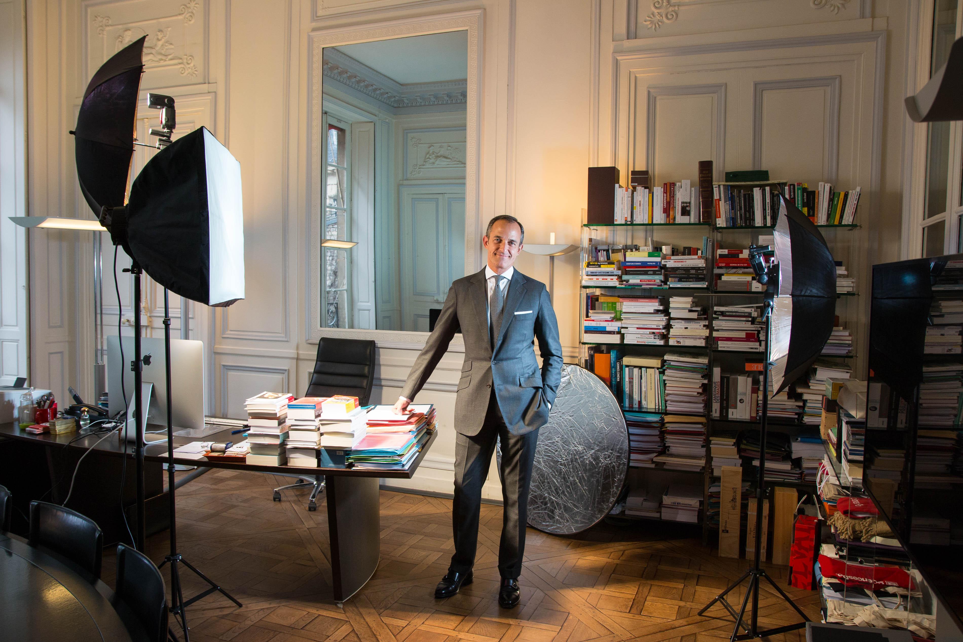 Frédéric Mion, directeur de Sciences Po, pose pour un portrait dans son bureau à Paris, le 1er mars 2017.