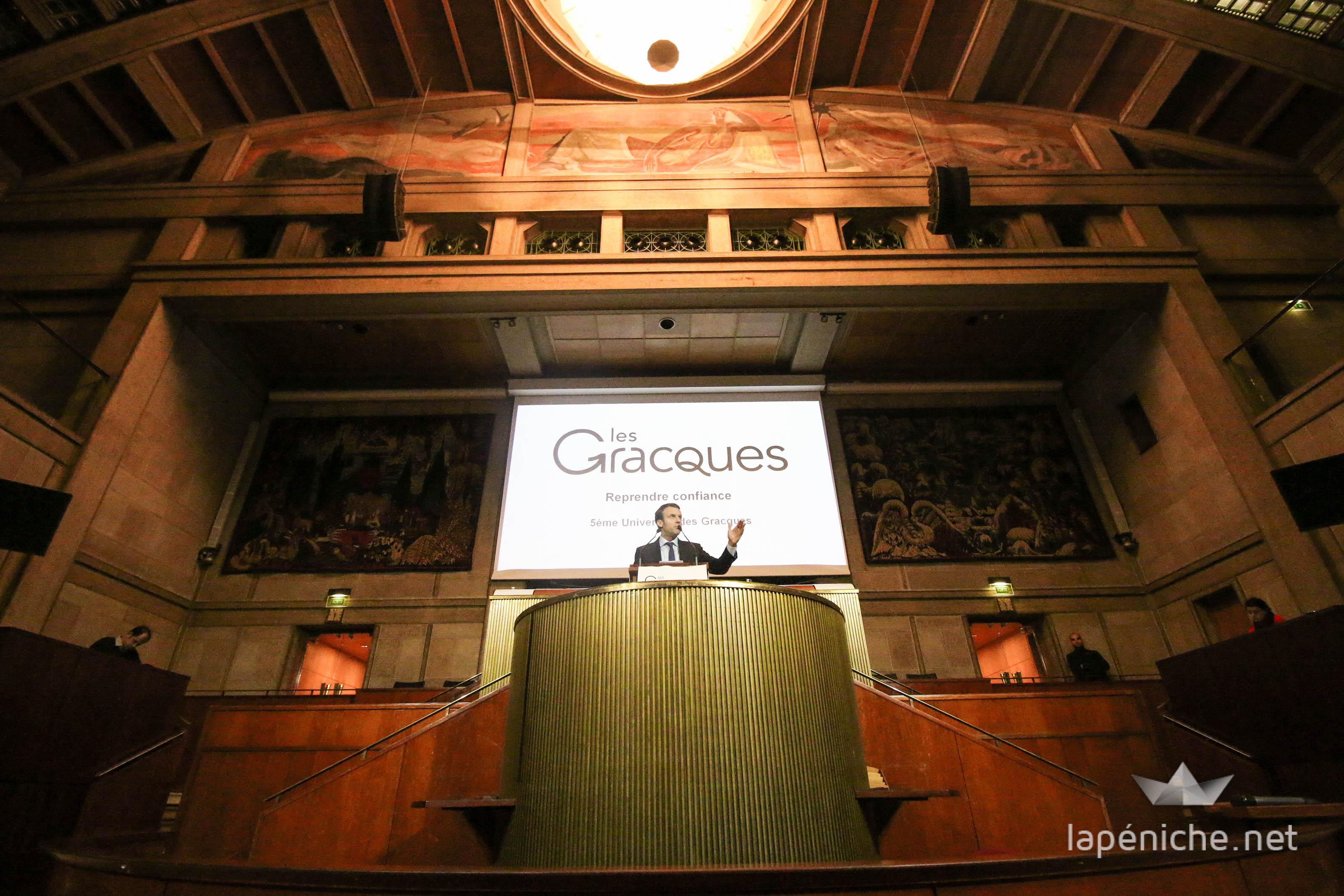 Emmanuel Macron s'exprime lors de la 5e Université des Gracques au Conseil Économique, Social et Environnemental, Samedi, 21 novembre 2015, à Paris.